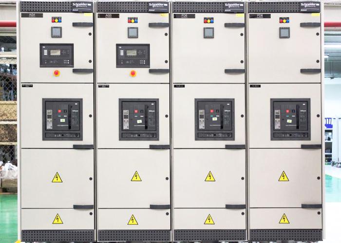 Synchronizing Panels
